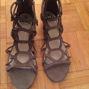 Women's Fergalicious taupe sandals - Size 8.5M